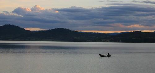 sunset tanzania twilight dusk paddle paddling canoeist africansunset africanboat africanlakes lakebabati africancanoe manyararegion babatidistrict