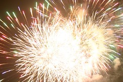 recreation(0.0), outdoor recreation(0.0), sparkler(0.0), fireworks(1.0), event(1.0), new year's eve(1.0),