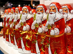 carnival(0.0), chinese new year(0.0), festival(1.0), event(1.0), santa claus(1.0), christmas(1.0),