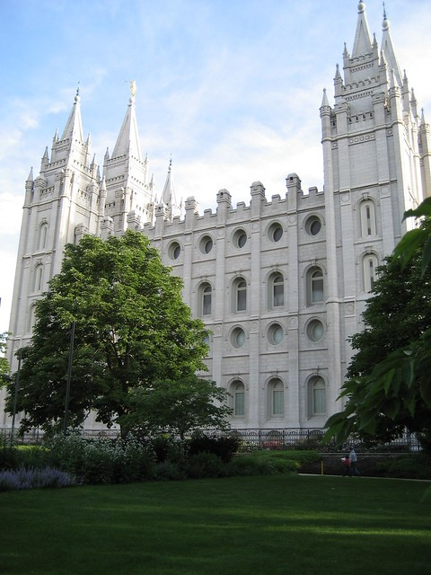Salt Lake City LDS (Mormon) Temple by CC user 24348368@N03 on Flickr