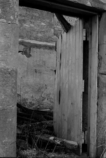 Creepy door flickr photo sharing for Door to gate kontakt