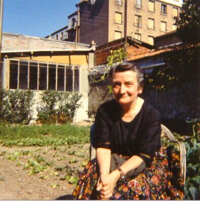 Madeleine Delbrel nel giardino di casa