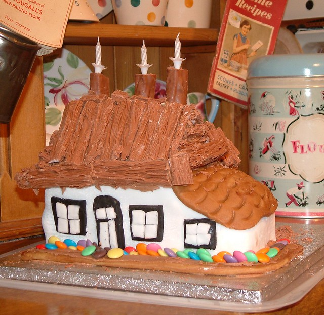 The Thatched Cottage Birthday Cake