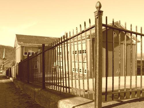 school abandoned pennsylvania pa schoolhouse huntingdon originalworks sp550uz thiopheneguy