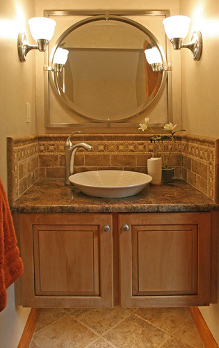 Small bath remodel ideas small bath remodel ideas zimbio for Really small bathroom remodel ideas