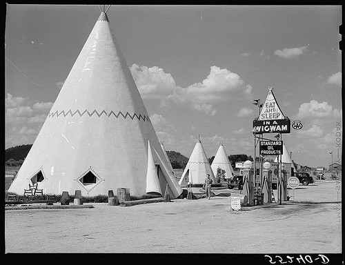 Cabins imitating the Indian teepee for tourists along highway south of Bardstown, Kentucky (LOC)