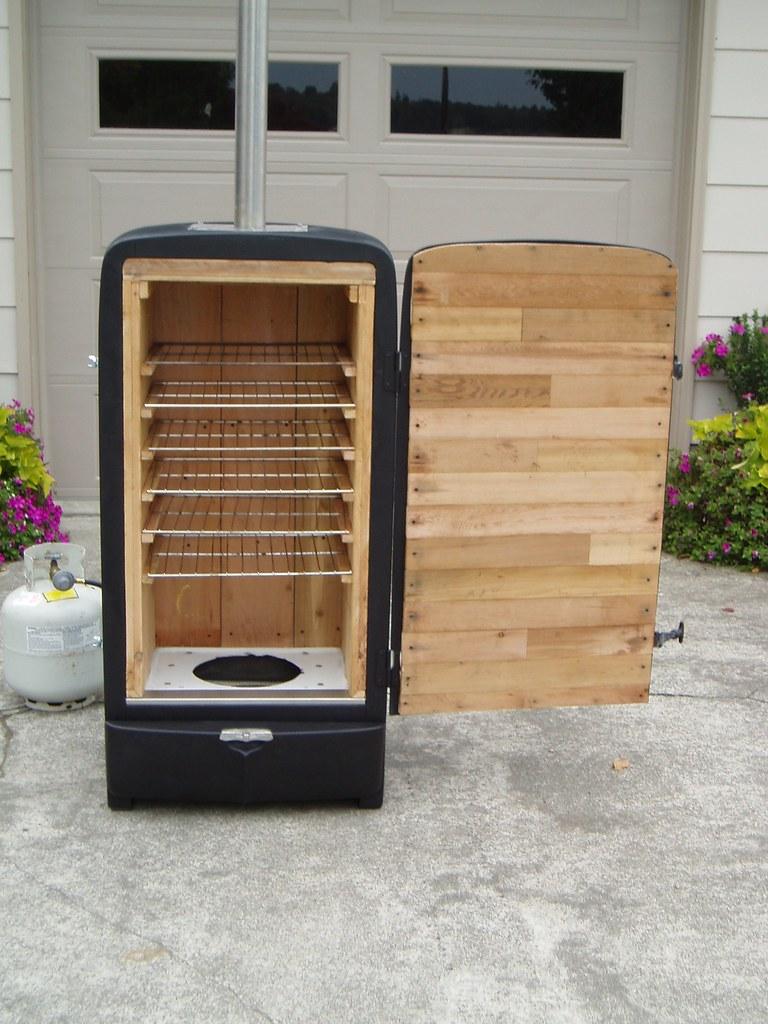 Old Refrigerator Smoker Old Refrigerator Chicken In