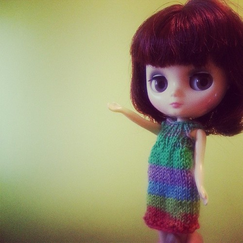 A little knit Middie dress for Kitty Brighton.
