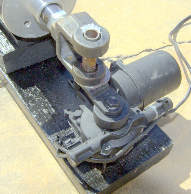 Vacuum pump for props wiper motor as used to drive air for Electric motors for halloween props