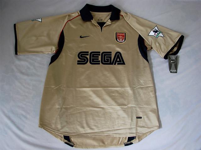 b947b7fed ... Arsenal FC 01 02 Away Bergkamp Jersey