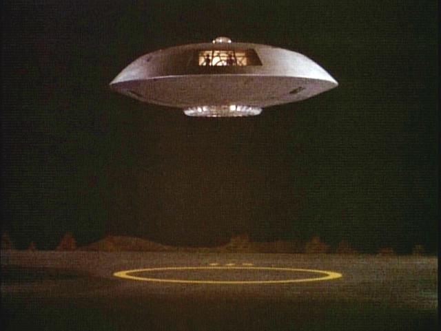 a spaceship landing on jupiter - photo #11