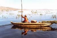 titicacareedboat_jpg
