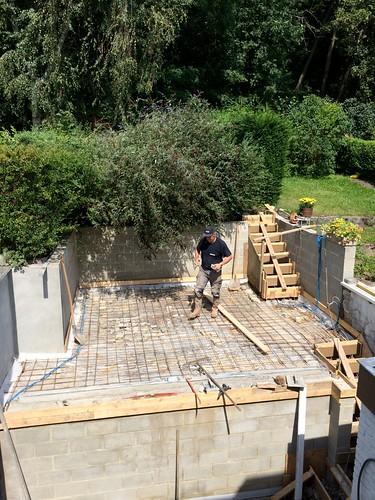 Travaux de ferraillage et betonnage.
