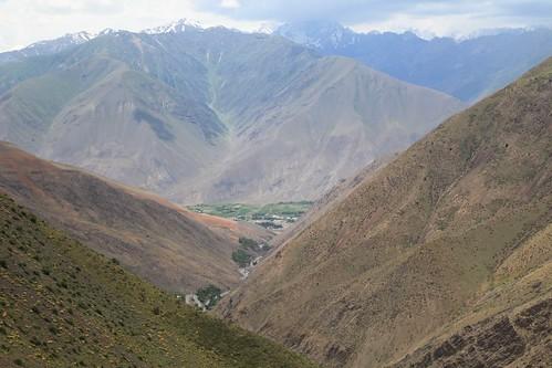 travel landscape asia silkroad tajikistan geology centralasia isolated fanns fannmountains pamiralay eriagn ngairelawson