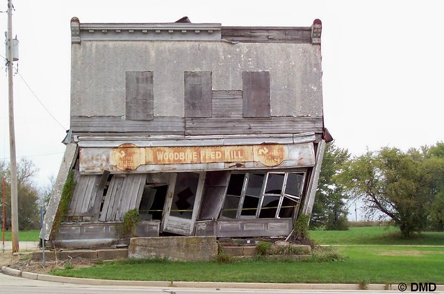 Building Falling Down : Falling down building flickr photo sharing