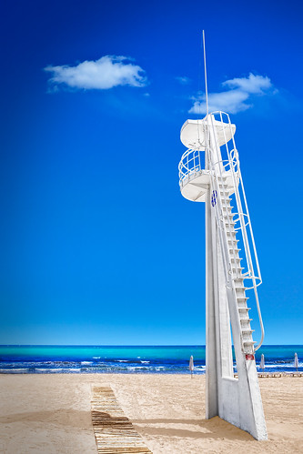 Lifeguard Watch Tower - Playa del Postiguet Alicante
