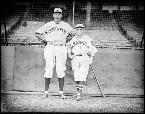 """""""Rabbit"""" Maranville tries to measure up to Cincinnati's Eppa Rixey at Braves Field"""