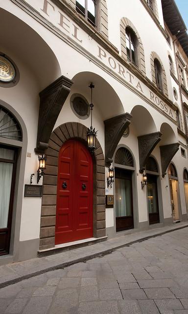 Nh porta rossa nh porta rossa un inconfondibile pezzo - Porta rossa hotel florence ...