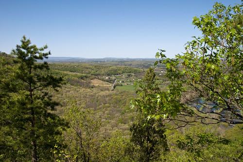 trees mountains forest virginia spring nikon hiking scenic va dcist overlook d80 nikond80 buzzardrock afsdxzoomnikkor18135mmf3556gifed