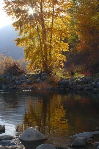 sunset color fall river washington rocks sunburst leavenworth