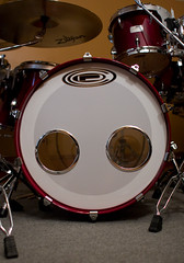 drummer(0.0), musician(0.0), timbale(0.0), timbales(0.0), electronic instrument(0.0), tom-tom drum(1.0), percussion(1.0), bass drum(1.0), snare drum(1.0), drums(1.0), drum(1.0), skin-head percussion instrument(1.0),