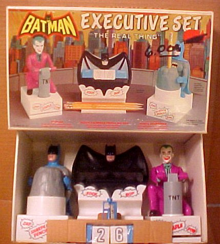 batman_desksetboxed.jpg