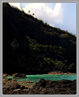 Comoros: lake sale volcanic 13.503.06
