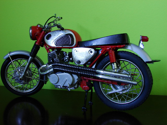 305 Honda Scrambler for Sale http://www.flickr.com/photos/fabio_souza/2488488246/