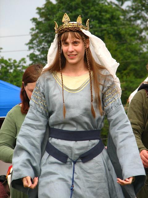 Quern Elizabeth Ii >> Queen definition/meaning