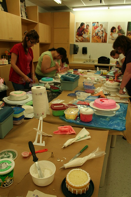 the wilton cake decorating class Flickr - Photo Sharing!