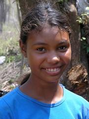 Muchacha sonriendo - Smiling girl between Santa María y Chichicaste, El Paraíso, Honduras