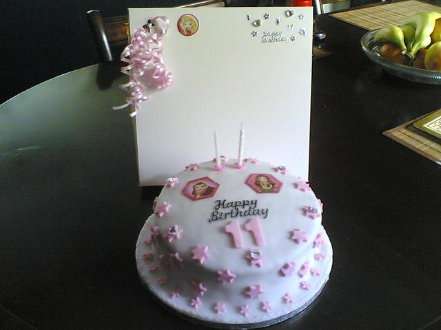 Peachy 11Th Bratz Birthday Cake Chantelle Howgill Flickr Personalised Birthday Cards Akebfashionlily Jamesorg