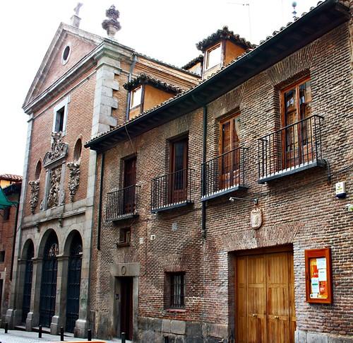 Casa convento de 1612 de las Trinitarias Descalzas e iglesia conventual de San Ildefonso. Calle Lope de Vega. Madrid