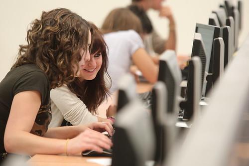 Sala de ordenadores - Universidad de Navarra