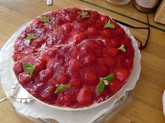 strawberry pie(0.0), plant(0.0), baked goods(0.0), produce(0.0), torte(0.0), pavlova(1.0), strawberry(1.0), frutti di bosco(1.0), fruit(1.0), food(1.0), dish(1.0), dessert(1.0), cuisine(1.0),