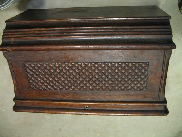 Singer Model 27 Coffin Top