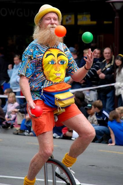 Sugra the Juggler