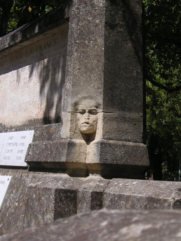 Lodève ; le monument aux morts du sculpteur Paul Dardé 1496323678_d1c50184e9_o