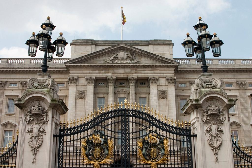 50 Photos Of British Crown Jewel The Buckingham Palace