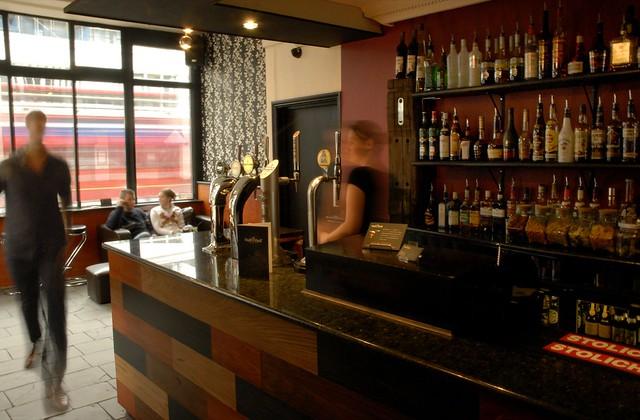 Bar Interior   Half U0026 Half, Croydon