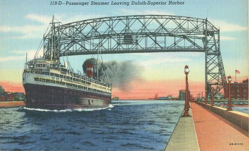 SS Noronic, passing under Duluth Aerial Bridge