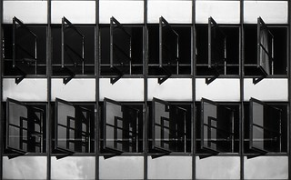 Dessau: Bauhaus Windows
