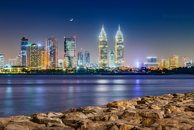 _MG_8920_web - Al Kazim towers and DIC district under moonlight