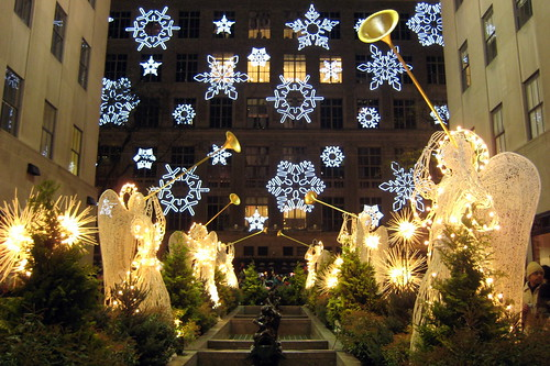 NYC - Rockefeller Center - Saks Holiday Show from the Channel Gardens