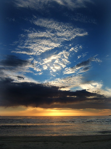 Magnificent sky at Punta Carretas, Montevideo