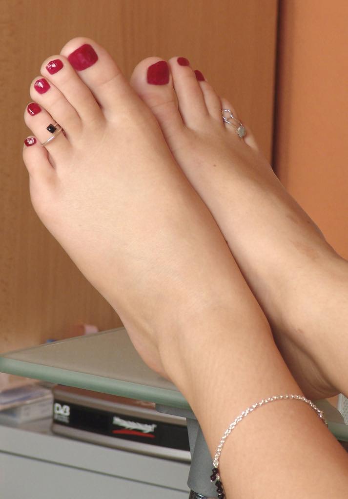 Erotic pedicure feet pictures