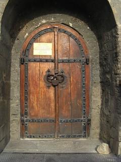 Image of Maiden Tower. door travel tower geotagged baku azerbaijan doorway portal 2008 maidenstower geo:tool=houdahgeo geo:country=azerbaijan geo:city=baku geo:lat=4036626 geo:lon=4983714 geo:long=4983714