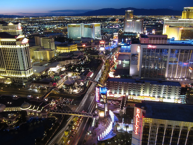 Las Vegas Night View - Flickr CC allenmcgregor