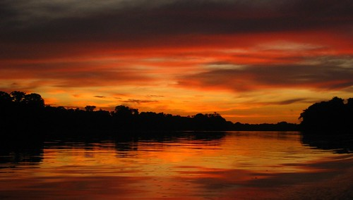 sunset red sky southamerica rio river rojo sundown suriname liba eastborder sranan