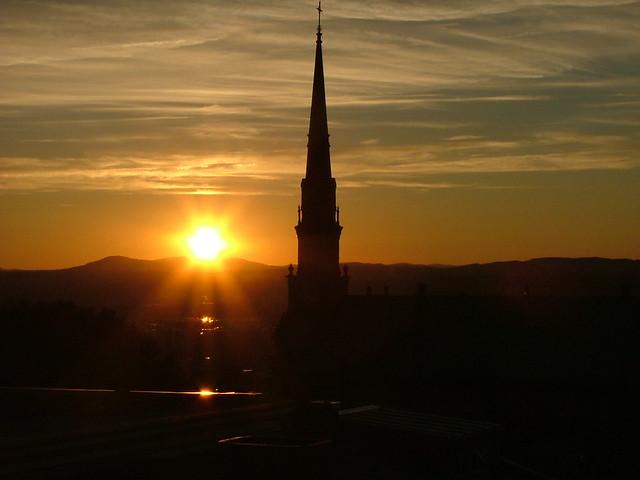 Coucher de soleil sur le clocher III